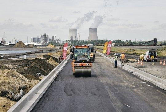 Port of Antwerp en de Universiteit Antwerpen hebben nieuwe asfalttypes ontwikkeld die de levensduur van zwaarbelaste wegen verlengt