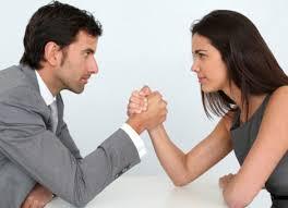 mannen en vrouwen aan het werk