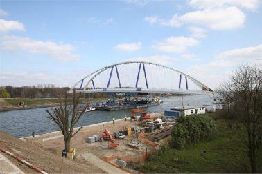 brug plaatsing over het Albertkanaal in de provincie Antwerpen (bron: Arcadis)