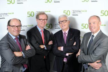 vlnr Nikolaas Tahoo, Duco Sickinghe, Rudi Thomaes (voorzitter REstore) en Piet Van den Driessche (CEO Deloitte Belgium)