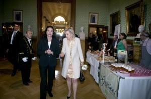 Prinses Astrid met senaatsvoorzitster Christine Defraigne en oud-voorzitter Armand De Decker voor het proefstandje standje van Gageleer. Foto: Guy Goossens
