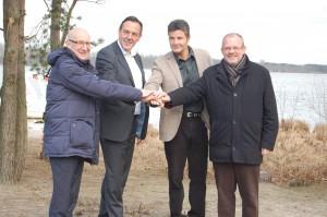 Paul Rothier (burgemeester Mol), Paul Renders (Sunparks), Jack Schoepen (Captain Jack) en Bruno Peeters (gedeputeerde)