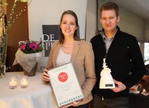 Margo en Joris van De Repertoire zijn fier op hun nieuwste onderscheiding.