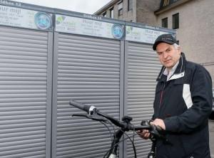 Piet Dijkmans bij de Gridbox in Geel.
