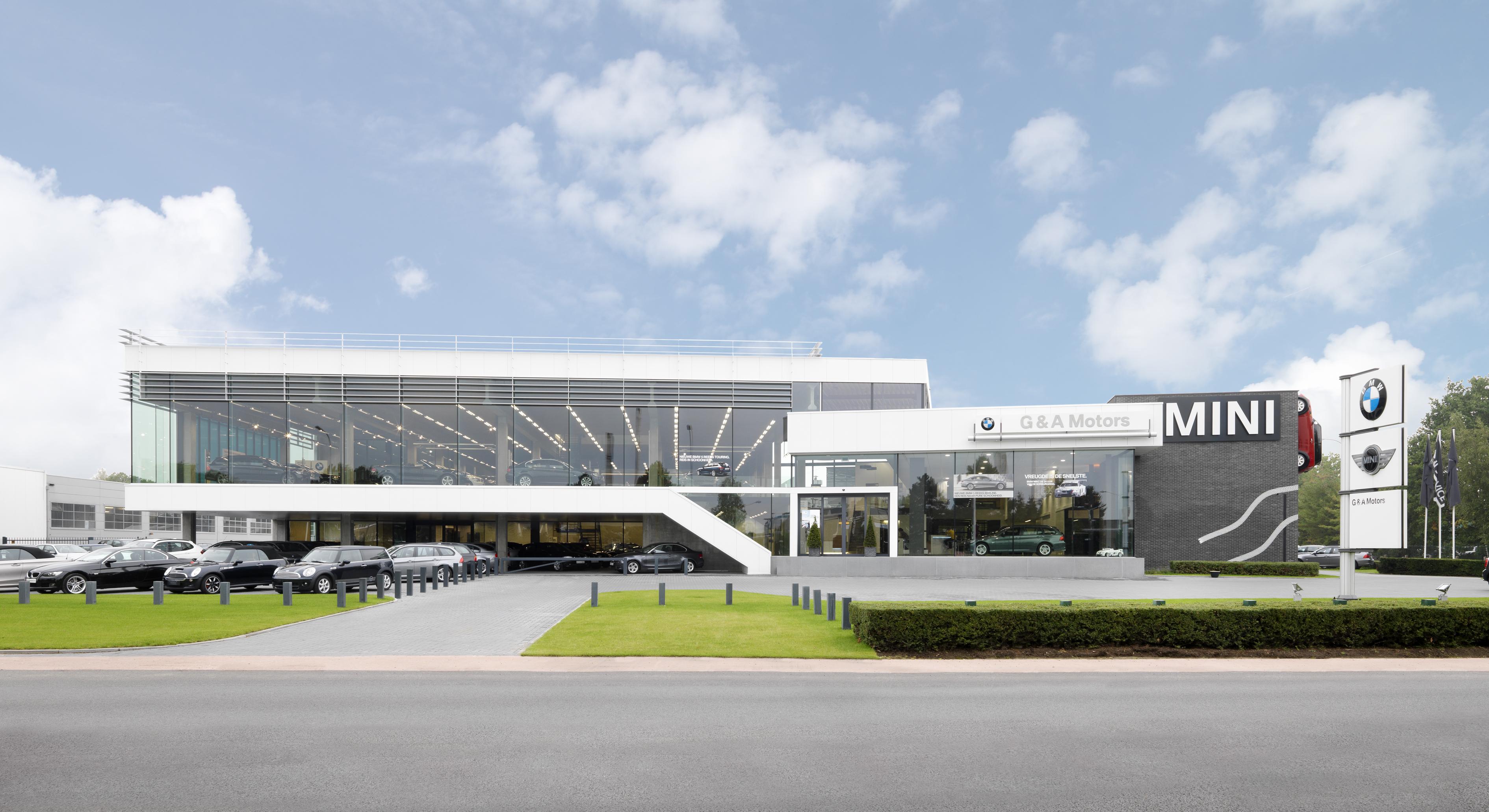 BMW: Arpeggio: G & A Motors nv, Raadsherenstraat 1, 2300 Turnhout: gevel