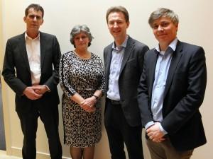 Vlnr: Folkert en Fetsje Posthuma, Stefan Louis (business manager Emrol) en Pieter Jacobs (managing director Emrol).