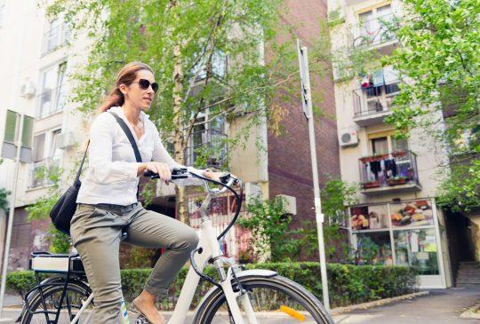 Het aantal vrouwen met een fietsvergoeding stijgt dan weer wel.