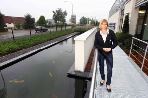 Patricia Vanderveken van Groenbedrijf Van Vlierden De vrouw heeft het bedrijf overgenomen na het overlijden van haar man en zoon. bij Limoco in Opglabbeek, waar zij het groendak hebben aangelegd. 366556